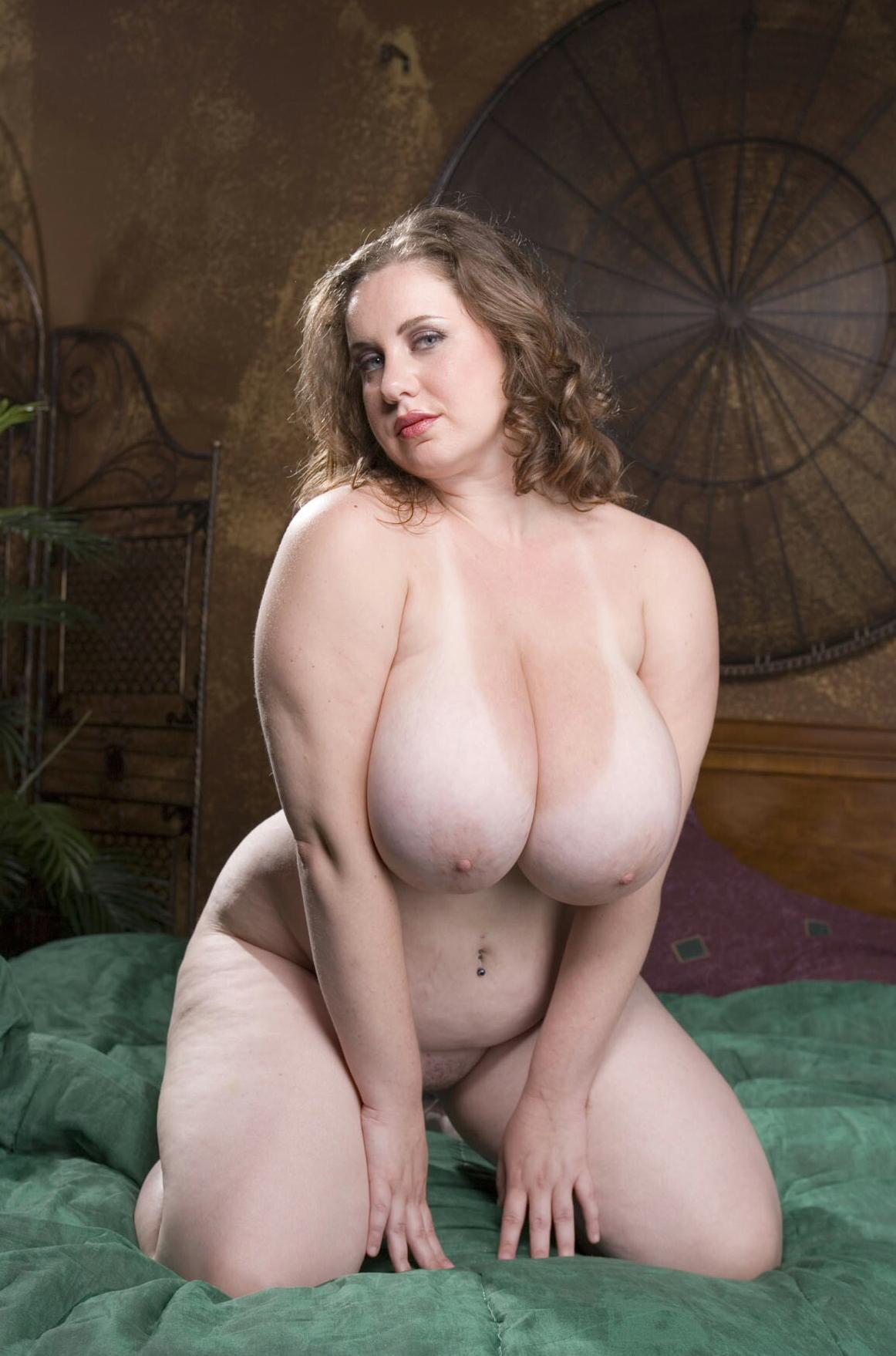 Голые толстушки с большой грудью #15